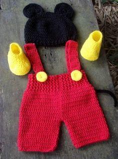 Crochet baby bonnet minnie mouse new Ideas Crochet Baby Bonnet, Crochet Bebe, Crochet For Boys, Newborn Crochet, Boy Crochet, Baby Dress Patterns, Baby Knitting Patterns, Loom Knitting, Crochet Patterns