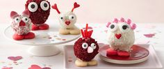 Treat your loved ones to a special treat with our Love Bug Cake Balls! Fun to decorate, yummy to eat! Visit Betty Crocker to browse more kids baking recipes. Valentines Day Desserts, Valentine Treats, Valentine Cake, Holiday Treats, Holiday Foods, Holiday Recipes, Bug Cake, Molten Chocolate, Chocolate Cakes