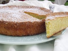 Made using almonds and olive oil, Almond and Olive Oil Cake might just be our favorite #NewYearNewRes dessert recipe… and it's just right for Valentine's Day, too.