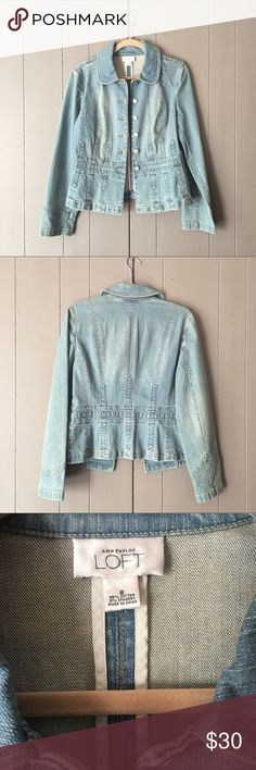 """Ann Taylor Loft Denim Jean Jacket✨LIKE NEW✨ Light wash Jean jacket in like new condition! Pleated at the bottom leaves a little flare and flatters the figure. You can't go wrong with this super chic jacket! Tag says size 8. Will easily fit small to medium. 98% cotton, 2% Spandex. Bust is 36"""" (BUTTONED) Armpit to armpit is 18"""". Length is 23"""". LOFT Jackets & Coats Jean Jackets"""