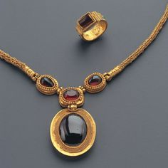 Hellenistic Jewellery Set Culture : Greek, Hellenistic Period : Late 2nd -1st century B.C. Material : Gold and Garnet