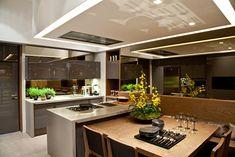 Cozinha gourmet. Cinza. Madeira. Iluminação