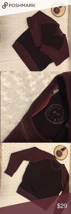 Tommy Bahama Long Sleeve Men's Sweater Size Large Long sleeve sweeter. Fabric: 💯 cotton. Pre-owned, gently used condition with no flaws. Size large. Color: burgundy and brown. Tommy Bahama Sweaters Crewneck
