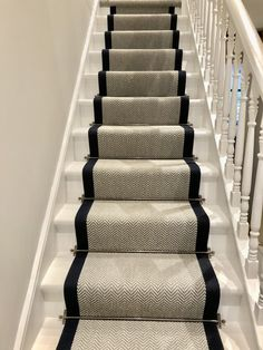 Carpet Installation Is Important To Make Stairs Safer – carpet stairs Navy Stair Runner, Staircase Runner, Stair Runners, Carpet Runner On Stairs, Best Carpet For Stairs, Grey Runner, Hallway Carpet Runners, Hallway Runner, Entryway Stairs