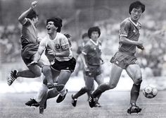 Argentina's Diego Maradona is fouled by South Korea's Kim Young-se  during their first round World Cup match in Mexico City in this June 22, 1986. #Soccer #Legend #Futbol Football Icon, Football Design, Sport Football, Football Jerseys, Soccer Images, Football Images, Football Pictures, Soccer World, World Football