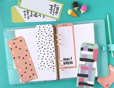 Learn how to use your Cricut to create planner inserts for Your 2018 Planner! Printable Tabs, Free Printable Stationery, Printable Planner, Planner Stickers, Printables, Binder Tabs, Binder Dividers, Planner Inserts, 2018 Planner