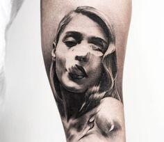 Smoke woman tattoo by Oscar Akermo