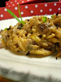 royal κριθαράκι με βασιλομανίταρα Pasta Recipes, Cooking Recipes, Rice Pasta, Greek Recipes, Vegetarian Recipes, Easy Meals, Food And Drink, Healthy Eating, Favorite Recipes