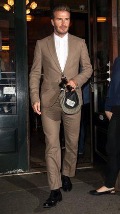 The David Beckham Look Book David Beckham Suit, David Beckham Style, Suit Fashion, Mens Fashion, Blazer Outfits Men, Men's Outfits, Casual Blazer, Z Cam, Summer Outfits Men