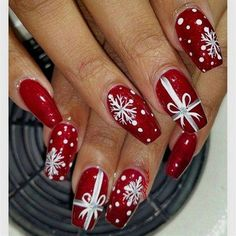 Festive Christmas Nail Designs for An outsta. Festive Christmas Nail Designs for An outstanding Christmas nail art can help you get into the Christmas spirit.Hopefully you will find yours from this list and make you stand out this season. Christmas Present Nail Art, Cute Christmas Nails, Holiday Nail Art, Xmas Nails, Fun Nails, Christmas Presents, Simple Christmas, Christmas Manicure, Christmas Ideas
