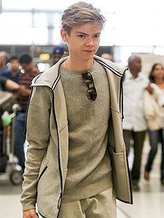 Thomas Brodie-Sangster Shares Funny Story About Looking Himself Up on IMDB: Photo Thomas Brodie-Sangster heads into LAX airport for a departing flight in Los Angeles on Saturday afternoon (July The Scorch Trials actor was kind… Maze Runner Thomas, Maze Runner Cast, Maze Runner Movie, Maze Runner Series, Dylan Thomas, Dylan O'brien, Thomas Brodie Sangster, The Scorch Trials, Wattpad