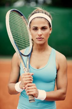 Pretty athletic women!!!! I want her arms!!!lol