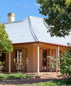 Historic Cooma Cottage, home of Australian explorer Hamilton Hume, is a favourite place to visit for the history buff when they stay @ The Globe Inn, Yass bed and breakfast accommodation