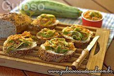 Procura um #lanche fácil, delicioso e saudável? Os Canapés de Abobrinha são uma ótima opção de #lanche ou refeição leve!  #Receita aqui => http://www.gulosoesaudavel.com.br/2013/09/25/canapes-abobrinha/