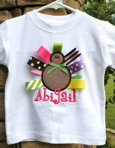 I'm not educated in the art of using a sewing machine, but if i was i would make this! It's adorable!
