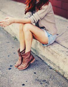 Los botines son los zapatos de hoy.