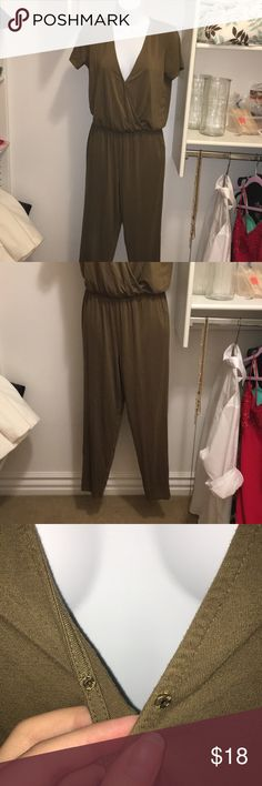 """Short sleeve, pant romper!! This is ssooooooo comfy. The material is stretchy and the length was perfect for me and I am 5""""3, size 6, curvy around the butt. The color is a forest green and there is the option to undo the button at the chest. It is a size small and the length is about 54"""" depending where you place it on the waist. No defects or stretching. Forever 21 Pants Jumpsuits & Rompers"""