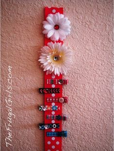 Organize the girls hair clips.  Also links to hair clip tutorials.