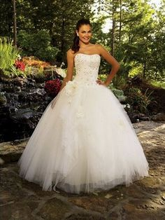 Elegant Strapless Floor-Length Organza Ball Gown Sleeveless Dress With Beading