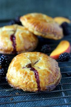 Fresh Blackberry Peach Hand Pie - You'll be amazed at how easy it is to create these impressive hand-held treats! Bite Size Desserts, Köstliche Desserts, Delicious Desserts, Dessert Recipes, Unique Desserts, Plated Desserts, Turnover Recipes, Blackberry Pie, Gourmet