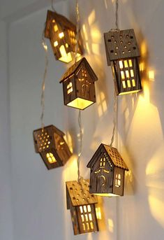 Wooden lamp: 60 amazing models and how to proceed step by step Wooden Floor Lamps, Wooden Lamp, Wooden Flooring, Homemade Lanterns, Black Wall Shelves, Wooden Hut, Wood Images, Ideas Hogar, Diy House Projects