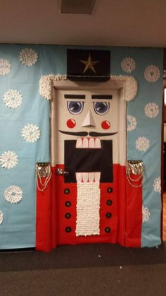 Huge Face Made By Students For Classroom Door Decoration In Christmas