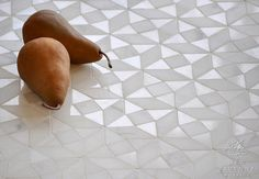 Esmeralda mosaic in honed Calacatta Tia and polished Thassos | New Ravenna