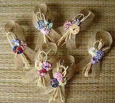 Reserved for Sara Burlap Silverware Holders Flowers and Leaves Cream & Green, Set of 4 Burlap Flowers, Burlap Bows, Diy Flowers, Fabric Flowers, Burlap Crafts, Diy And Crafts, Arts And Crafts, Spring Crafts, Napkin Rings