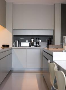 Grey kitchen Woonmagazine