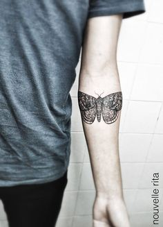 Moth ~ tattoo artist Nouvelle Rita #body_art