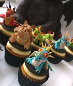 How To Train Your Dragon cupcakes Dragon Birthday Cakes, Dragon Birthday Parties, Dragon Party, Toothless Cake, Dragon Cupcakes, Easy Homemade Recipes, Fairy Cakes, Crazy Cakes, Halloween Cakes