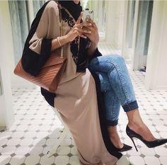 I would like the exact abaya/kimono or very similar Modest Wear, Modest Outfits, Modest Fashion, Fashion Outfits, Fashion Trends, Kimono Fashion, Muslim Women Fashion, Arab Fashion, Islamic Fashion