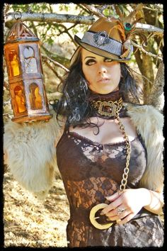SteamPunk Girl - Steampunk Girl http://steampunk-girl.tumblr.com/ .... Love her whole look, especially makeup and necklace.