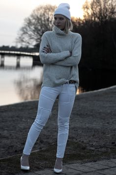 OUTFIT / SUNSET by Rowan Reiding from www.redreidinghood.com  #allwhite #jumper #knitted #turtleneck #cream #white #sweater #fringed #patchwork #jeans #wedges #mango #beanie #leopard #belt #mini #small #detail #blogger #ootd #girl #fashion #outfit #wearing