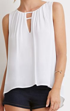 d4b32968a9480 White V Neck Hollow Loose Tank Top Spring Wear