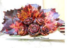 centro de rosas hecho con hojas Pressed Leaves, Flower Making, Artichoke, Flower Power, Holidays, Vegetables, Flowers, Food, Leaves