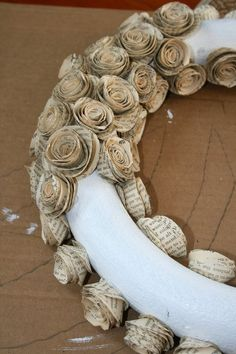 Great use for old books that you hate to throw away.How To Make A Wreath With Paper Book Pages Great how to instructions Great use for old books that you hate to throw away.How To Make A Wreath With Paper Book Pages Great how to instructions Old Book Crafts, Book Page Crafts, Newspaper Crafts, Newspaper Paper, Newspaper Flowers, Book Page Art, Old Book Pages, Paper Book, Folded Book Art