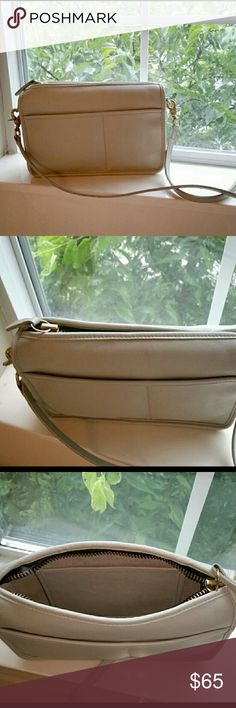 VINTAGE COACH CROSSBODY/SHOULDERBAG VERY BEAUTIFUL BAG...RE-POSH...11×7.5×3.5 Bags Crossbody Bags