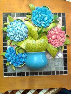 ideas for mosaic flowers vase Mosaic Wall Art, Mosaic Diy, Mosaic Garden, Mosaic Crafts, Mosaic Projects, Mosaic Glass, Mosaic Tiles, Glass Art, Wall Paint Patterns
