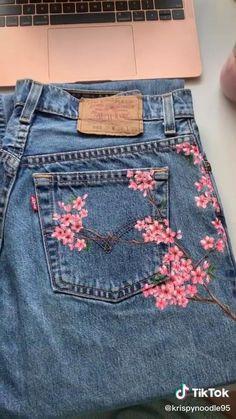 Painted Denim Jacket, Painted Jeans, Painted Clothes, Paint For Clothes, Custom Clothes, Painted Shorts, Hand Painted, Fabric Painting, Painting On Denim