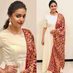 Actress Keerthi Suresh Shows Us How To Style Our Salwars Right! Kerala Saree Blouse Designs, Silk Kurti Designs, Kurta Designs Women, Kurti Designs Party Wear, Simple Kurta Designs, Casual Indian Fashion, Salwar Pattern, Simple Gowns, Indian Designer Outfits