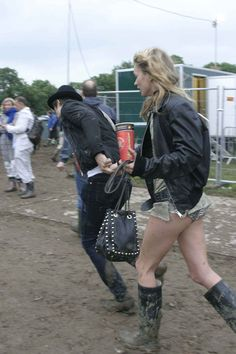 Kate Moss with Pete Doherty at Glastonbury Music Festival, 2005
