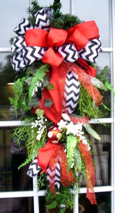 Christmas swag with red and black and white by LisasLaurels, $59.00