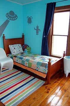 Alien bedroom theme on pinterest outer space bedroom for Robot bedroom