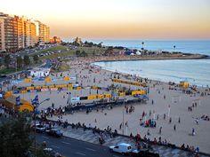 Playa Pocitos por la tarde, Montevideo.
