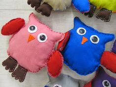 Diy For Kids, Crafts For Kids, Diy And Crafts, Arts And Crafts, Textiles, Dinosaur Stuffed Animal, Pillows, Toys, Animals