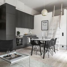 Drömlägenhet på Wallingatan 11 nu till salu! Mer info finns på vår hemsida, link i bio. Mäklare Anders Dahnberg #välkommenhem#wallingatan #skönahem#heminredning#homedecor#marble#skandinaviskehjem#skandinaviskahem#interiør#interiör#interiorandliving#inredning#boligpluss#danskdesign#interiordesign#nordiskehjem#homedesign#homedecoration#interior123#onlyinterior#homedecoration#homedesign#homestyling#nordiskdesign#inredningsdetaljer#finahem#bobedre#plazainteriör#hoommagazine#styleathome