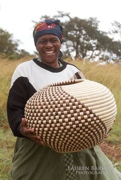 A basket weaver photographed in KwaZulu Natal, South Africa | © Lauren Barkume