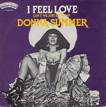 This pic is flyness and epicness and blackness all in one! Bless the Queen! -Kali Celebrating Donna Summer's Best Disco Queen Moments -- The Cut 70s Music, Music Radio, Good Music, Dona Summer, The Boogie, For You Song, Blues Artists, Rhythm And Blues, Album Covers