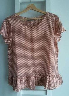 Kup mój przedmiot na #vintedpl http://www.vinted.pl/damska-odziez/bluzki-z-krotkimi-rekawami/18202406-bluzka-zwiewna-boho-print-falbanka-falbanki-na-dole-vero-moda-glamour-l-xl